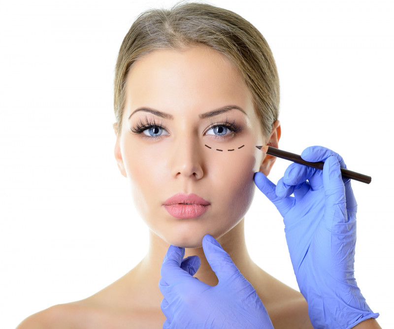 Konsultacja przed zabiegiem chirurgii plastycznej